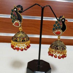 Accessories - Earrings